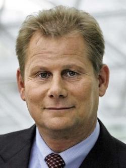 Bild von Bankenpräsident Schmitz fordert Haftkapital für Staatsanleihen