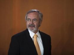 Hoyer wird Chef der Europäischen Investitionsbank