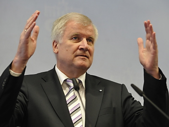 Photo of Seehofer legt Griechenland Euro-Austritt nahe
