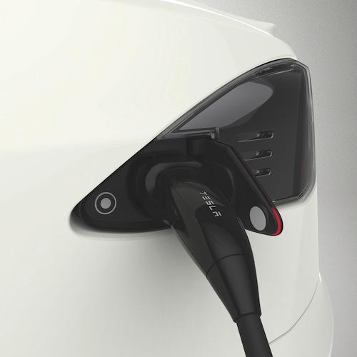 Tesla und The Mobility House verstärken Kooperation - Premium-Anspruch für Model-S Kunden in Deutschland, Österreich und der Schweiz - Vom Fahrzeug über Lademöglichkeiten bis hin zur Infrastruktur