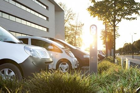 Photo of RWE Effizienz zeigt auf der eCarTec neue Ladelösungen für gewerbliche E-Flotten