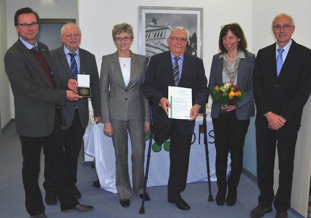 Photo of BLISTA mit der Kurt-Alphons-Jochheim-Medaille der DVfR geehrt