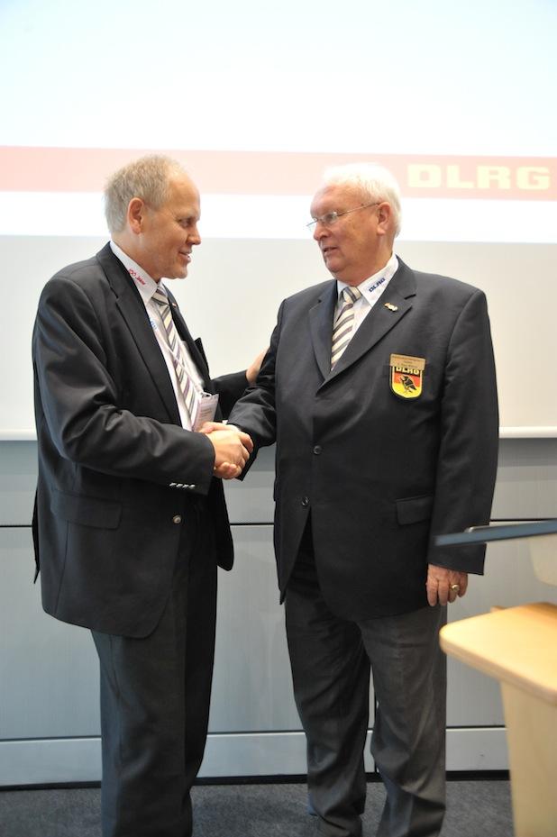 Bild von Hans-Hubert Hatje einstimmig zum neuen DLRG-Präsidenten gewählt