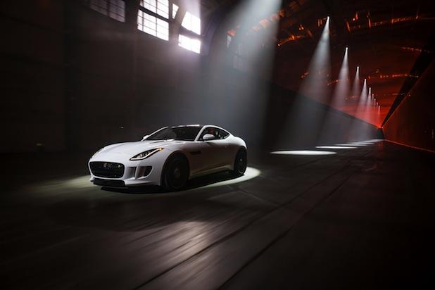 Photo of Jaguar F-TYPE Coupé – spektakuläre Weltpremiere in L.A.