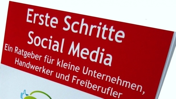 "Photo of Neuerscheinung: ""Erste Schritte Social Media"""