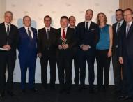 Der erste German Leadership Award geht an dm