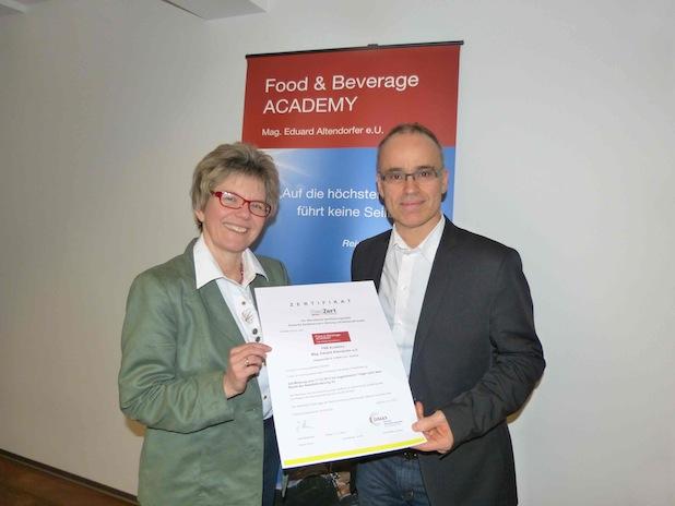 Photo of Erstes österreichisches Bildungsinstitut offiziell auch für Deutschland zertifiziert