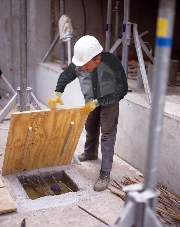 Bild von Am Arbeitsplatz vorsorgen – stolpern, stürzen, rutschen