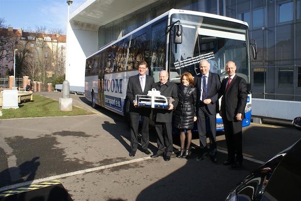 Photo of ICOM Transport erhält 2000stes Mercedes-Benz Nutzfahrzeug