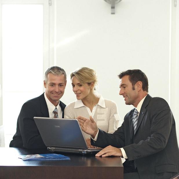 Bild von Versicherungskunden legen Wert auf persönliche Ansprechpartner