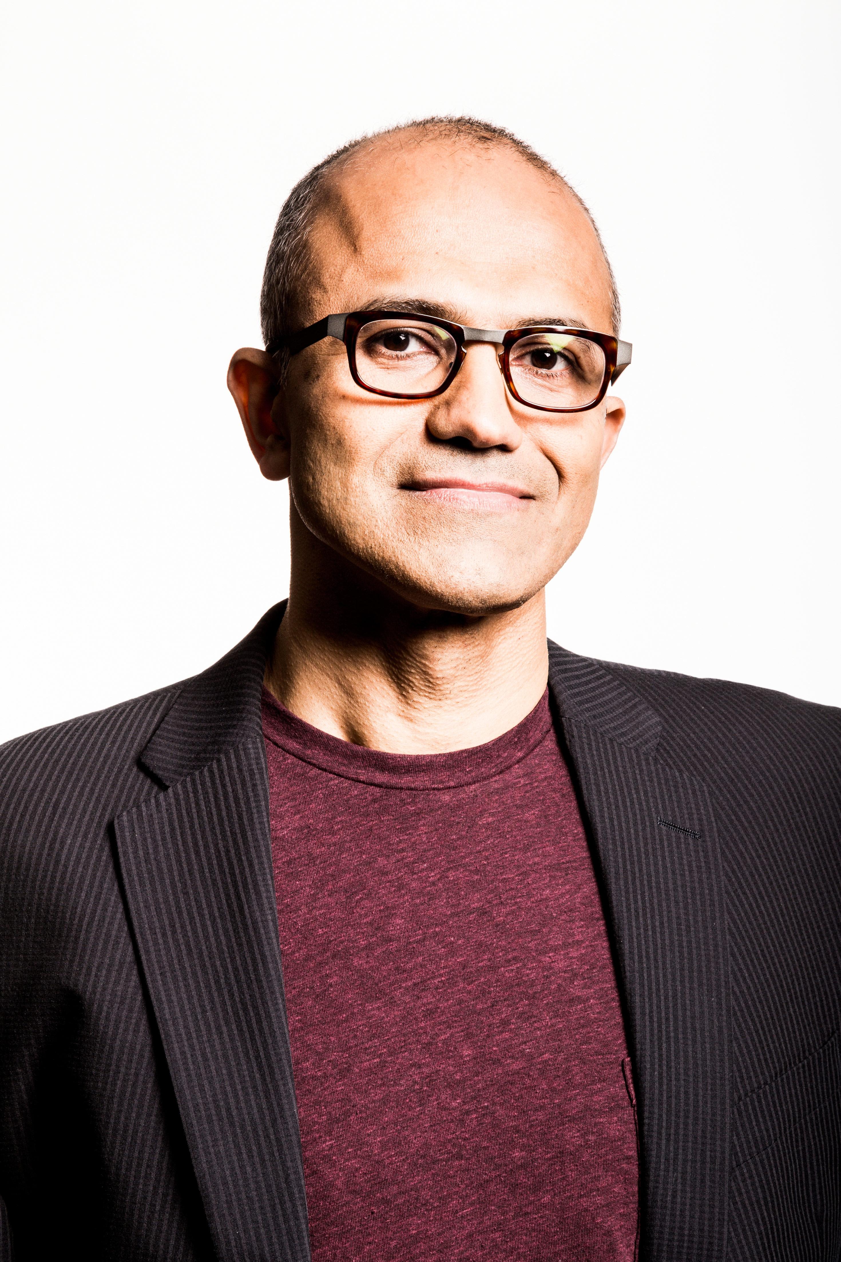 """Bild von Microsoft verdeutlicht seinen """"mobile first, cloud first""""-Ansatz"""