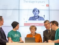 Angela Merkel läutet zweite Runde der Microsoft Gründerklasse ein