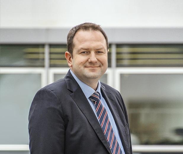 Bild von Peter Henn zum Vorstand von Daimler Financial Services berufen