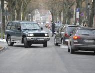 """Wer hat Recht: Rechtsabbieger oder """"Falsch-Fahrer"""" auf der Vorfahrtsstraße?"""