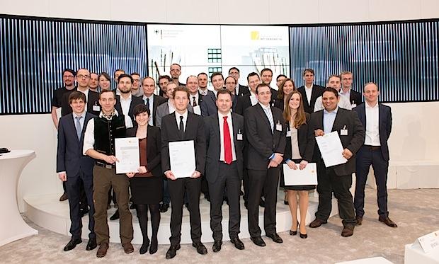 """Photo of Wirtschaftsminister Gabriel zeichnet Preisträger des """"Gründerwettbewerbs – IKT Innovativ"""" aus"""