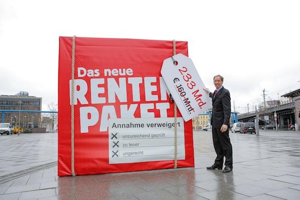 Photo of Umfrage: Rentenpaket belastet Sozialversicherungssystem