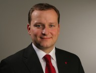 Dr. Klein-Vorstandssprecher übernimmt Vertriebsleitung Versicherungen