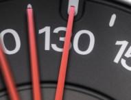 Zeitliche Warnung bei Geschwindigkeitskontrollen