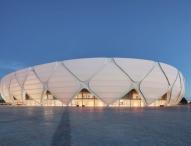 Hochleistungskunststoff von Dyneon schützt WM-Arena