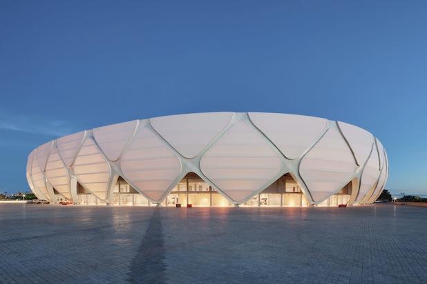 Photo of Hochleistungskunststoff von Dyneon schützt WM-Arena