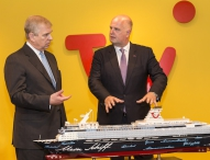 Prinz Andrew besucht TUI in Hannover