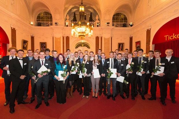Photo of WAGO-Stiftung würdigt hervorragende Ausbildungsabschlüsse