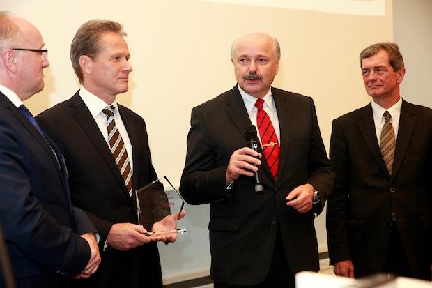 Bild von Bundeswehr und BWI für erfolgreichen IT-Betrieb ausgezeichnet