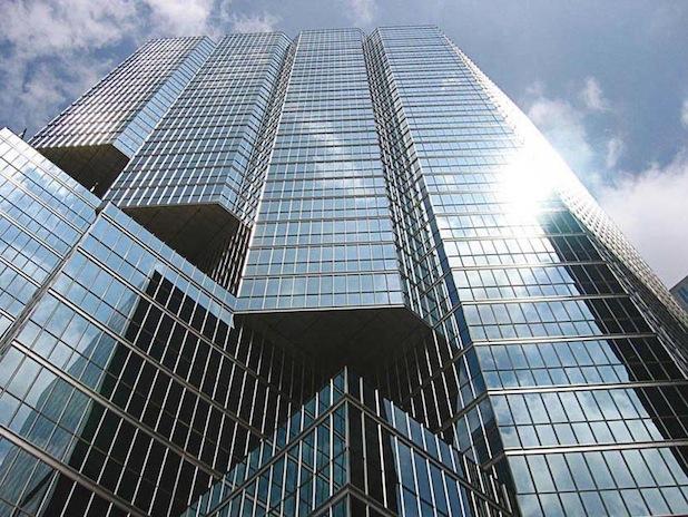Bild von Oerlikon Leybold Vacuum bietet komplette Pumpsystemlösungen für Architekturglasanlagen