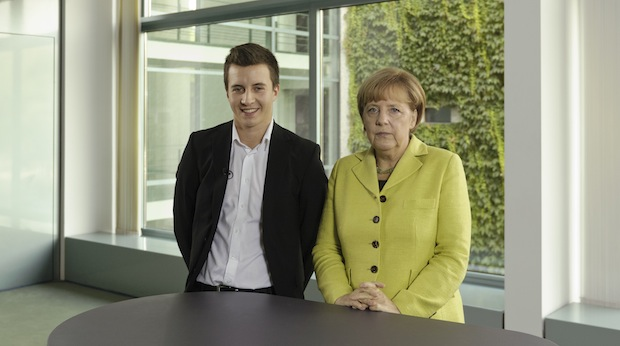 Bild von Merkel vor Hamburger IT-Gipfel: Geschickte Digitalisierung schafft mehr Jobs als sie kostet