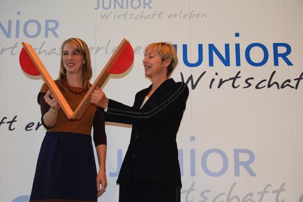 """Photo of Startschuss für Schülerprojekt """"JUNIOR – Wirtschaft erleben"""""""