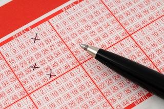 Bild von Lottomillionär und nichts davon gewusst? Die vergessenen Millionen