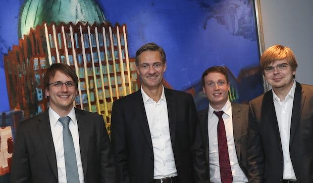 Photo of Madsack Mediengruppe steigt ins Wachstumsfeld Digital Signage ein