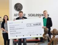 Sanofi spendet 10.000 EUR für die Elterninitiative Kinderkrebsklinik e. V.