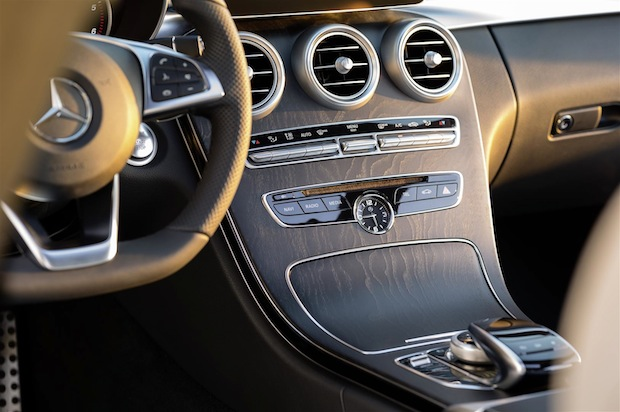 """Photo of Mercedes-Benz erhält zwei """"Connected Car Awards"""""""