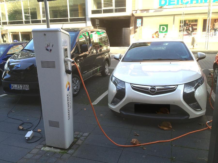 Bild von Öffentliche Ladestellen für Elektroautos, wo und was ist zu beachten