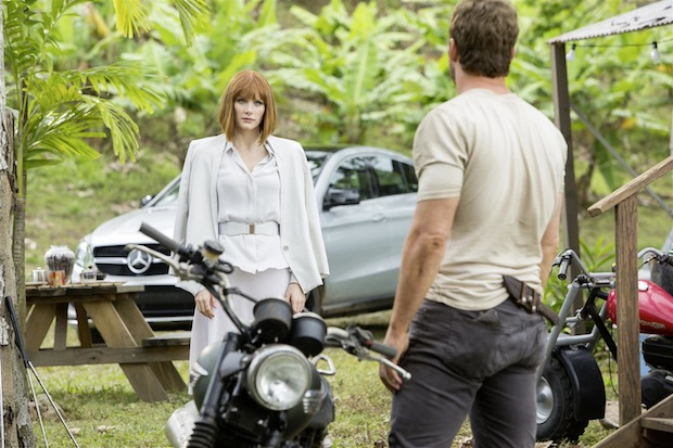 "Photo of GLE Coupé startet als Filmstar in ""Jurassic World"""