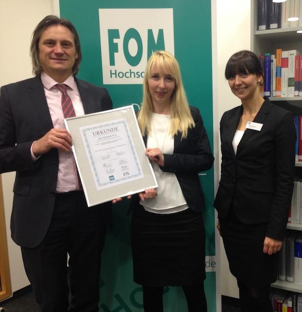 Photo of FOM Absolventen in Stuttgart mit ETL-Mittelstandspreis ausgezeichnet