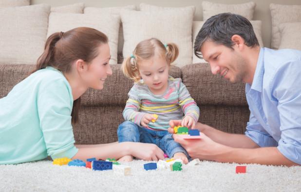 Eltern haben die Wahl, ob sie Elterngeld Plus oder herkömmliches Elterngeld beantragen möchten