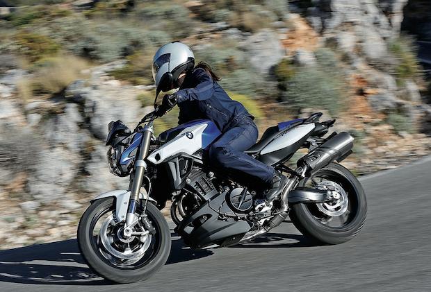 Photo of Fashion und Abenteuer rücken Motorräder ins Rampenlicht