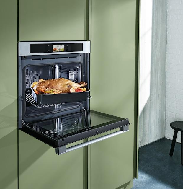 Bild von Panasonic setzt die Küche unter Dampf