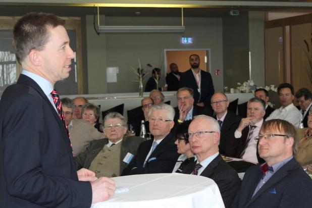 Foto: Prof. Dr. Bernd Lucke sprach auf der Gründungsveranstaltung vom AfD Mittelstandsforum in Kassel.