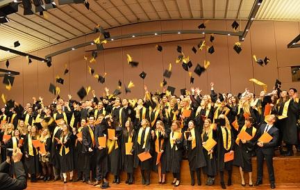 Photo of Die EUFH verabschiedete 235 Absolventen am Standort Brühl