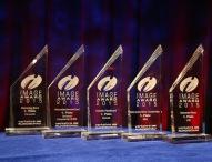 Daimler Nutzfahrzeugmarken gewinnen in fünf Kategorien beim Image Award 2015
