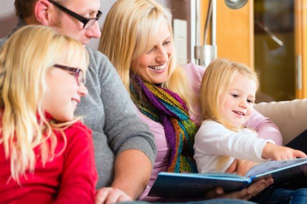 Gutes Sehen ist wichtig für die Lebensqualität. Eine private Zusatzversicherung kann dabei vor Löchern im Familienbudget schützen. Foto: djd/Volkswagen Financial Services/Kzenon-Fotolia.com