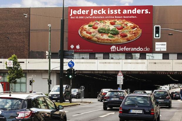 Bild von Lieferando und blowUP media feiern mit den Jecken
