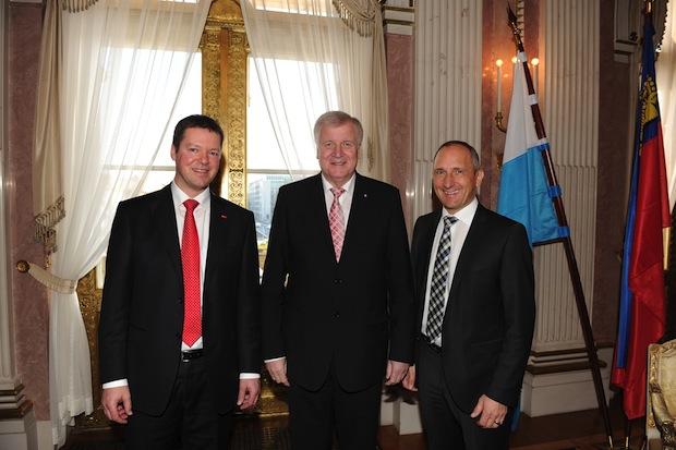 Bild von Liechtensteiner Regierungschef bei Hoval in Deutschland