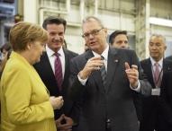 Bundeskanzlerin Dr. Angela Merkel besucht Daimler Trucks in Japan