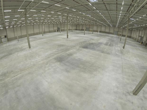 Bild von LEDs sparen Strom im neuen Logistikzentrum Bedburg