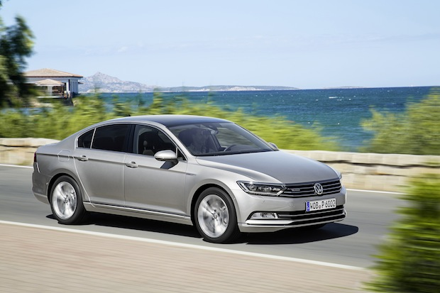 "Photo of Der neue Passat ist ""Car of the Year 2015"""
