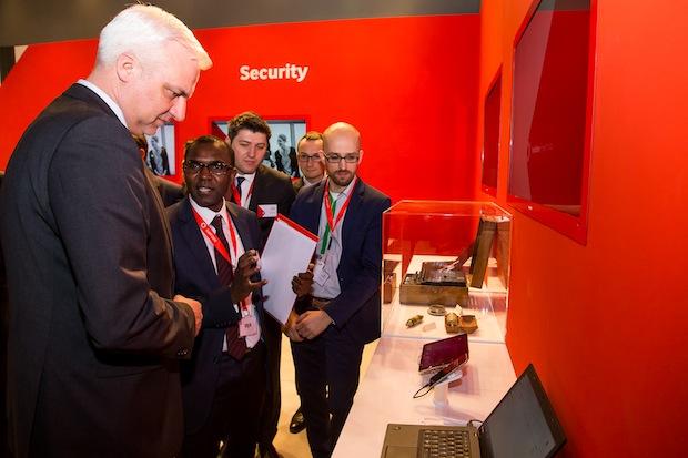 Bild von NRW Wirtschaftsminister Duin besucht Vodafone auf der CeBIT